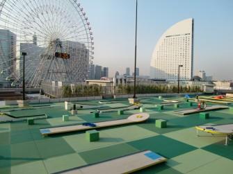 遮熱塗料ミラクール施工写真 横浜ワールドポーターズ屋上(コンクリート屋根)