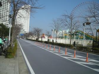 遮熱塗料ミラクール施工写真 道路 2007年 神奈川県横浜市みなとみらい
