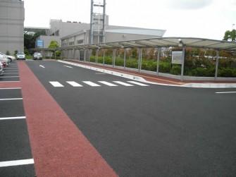 遮熱塗料ミラクール施工写真  道路 千葉県千葉市稲毛保険福祉センター駐車場
