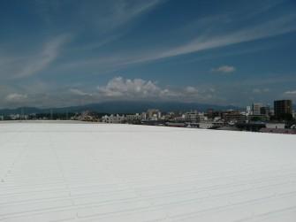 遮熱塗料ミラクール施工写真 神奈川県工場屋根(鋼板) ミラクールS300クールホワイト施工