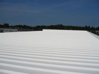 遮熱塗料ミラクール施工写真 千葉県 倉庫屋根(折板)5,718㎡ S100クールホワイト施工