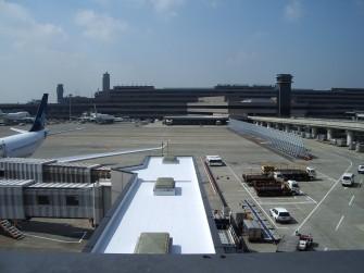 遮熱塗料ミラクール2008 空港施設コンクリート屋根(シート防水)600㎡