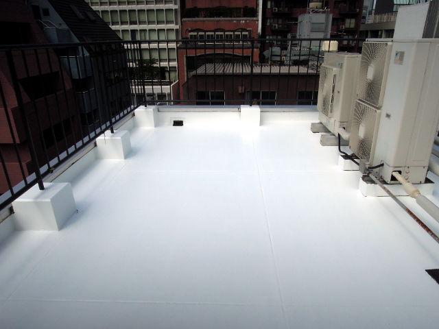 遮熱塗料ミラクール施工実績2012 東京都 キハラ(株)様本社屋上屋根 U600クールホワイト